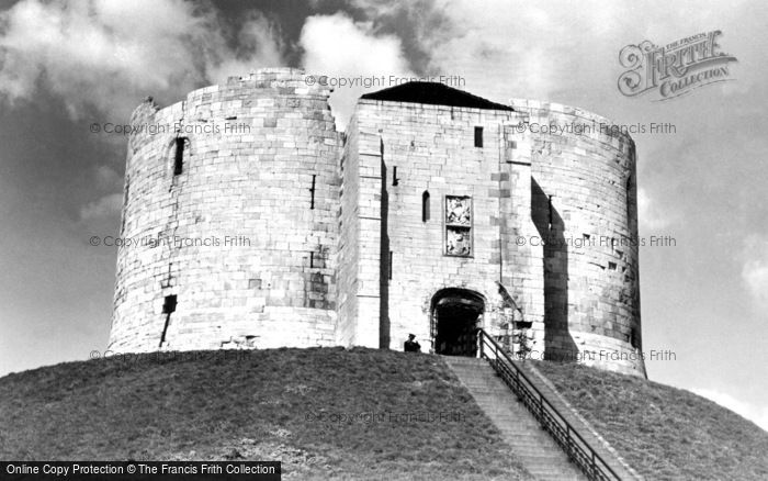 Photo of York, Cliffords Tower c1950, ref. Y12018