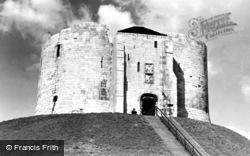 York, Cliffords Tower c.1950