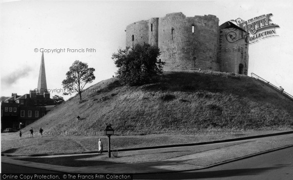 Photo of York, Cliffords Tower c.1960