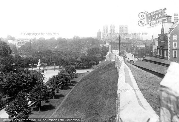 Photo of York, From City Walls 1913