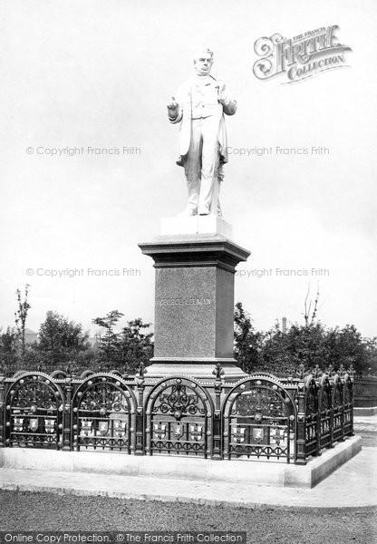 Photo of York, Leeman Statue c.1885