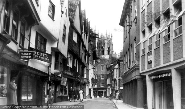 Photo of York, Low Petergate c.1960