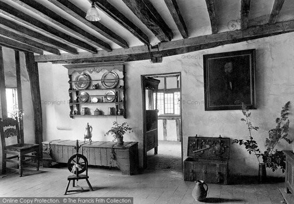 Photo of York, Merchant's Hall, Sitting And Bedroom 1921