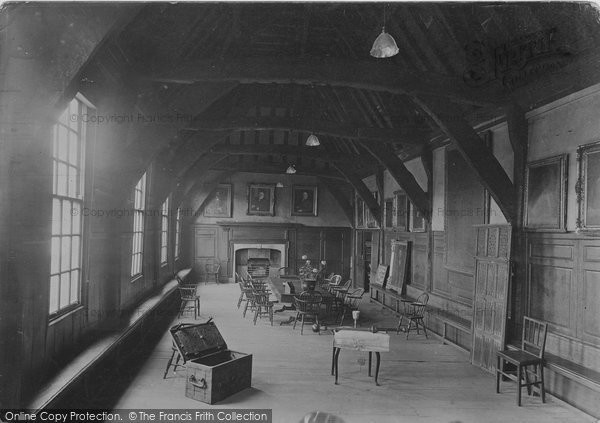 Photo of York, Merchant's Hall, The South Hall 1921