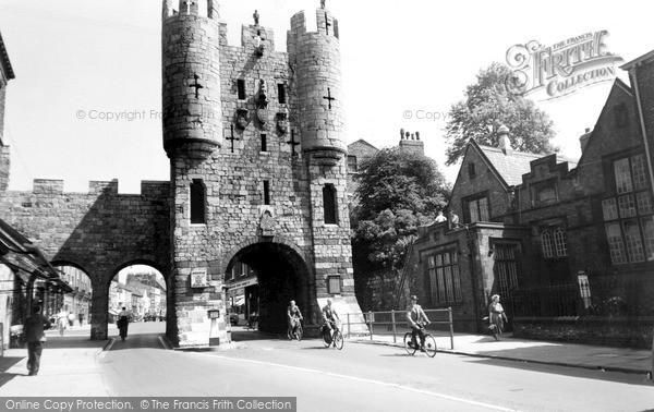Photo of York, Micklegate Bar c.1955
