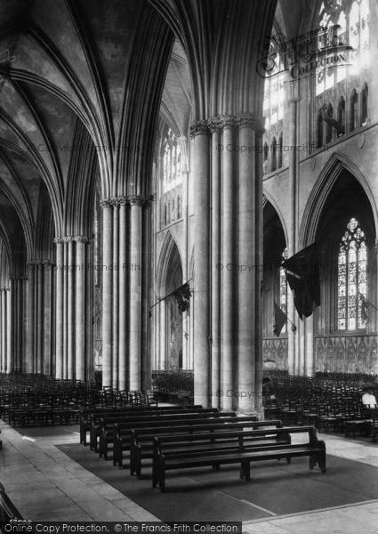 Photo of York, Minster, Across Nave 1911