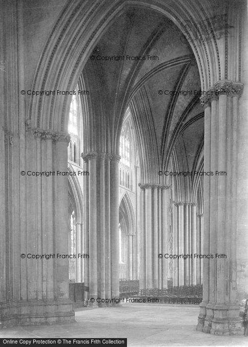 Photo of York, Minster, Across Nave 1913