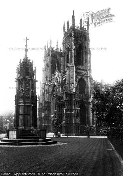 Photo of York, Minster And War Memorial 1909