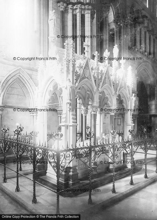 Photo of York, Minster, Dean Duncombe's Monument  c.1885