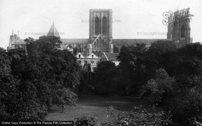 Photo of York, Minster, North Side 1908