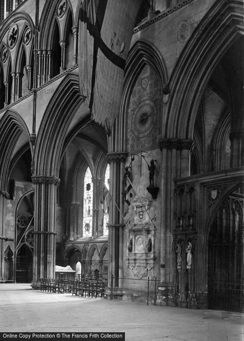 Photo of York, Minster, North Transept And Cradock Memorial 1921