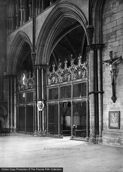 Photo of York, Minster, The 'west Yorks' Memorial Chapel 1925