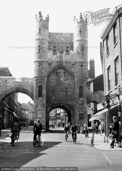 Photo of York, Monk Bar c.1950