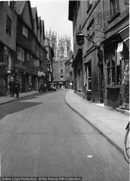 Photo of York, Petergate c.1939