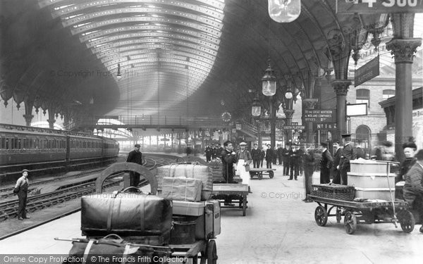 Photo of York, the Railway Station 1909, ref. 61850