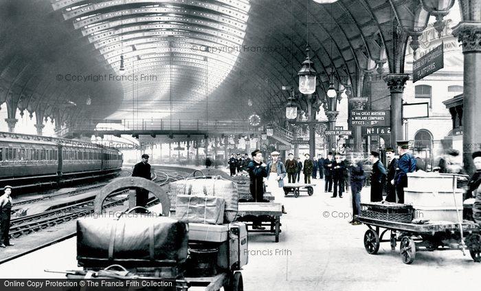 Photo of York, The Railway Station 1909