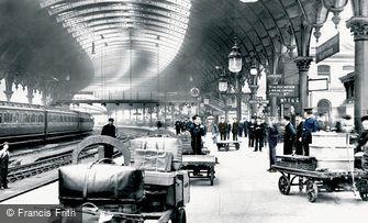 York, the Railway Station 1909