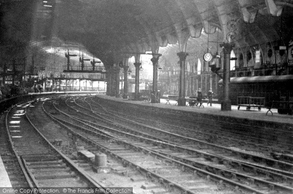 Photo of York, The Station c.1940