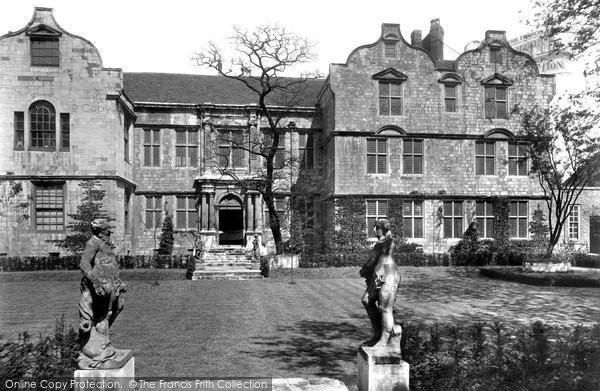 Photo of York, The Treasurer's House 1908