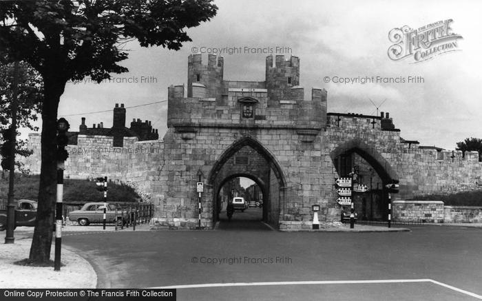 Photo of York, Walmgate c.1960