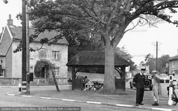 Photo of Yoxford, Jubilee Seat c1955