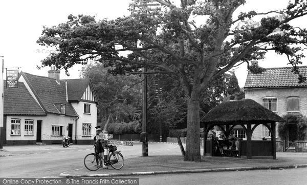Photo of Yoxford, The Kings Head c.1955