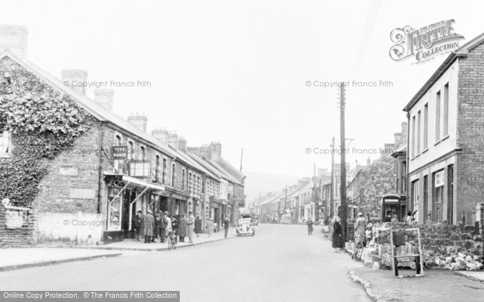 Photo of Ystradgynlais, Commercial Street c.1955