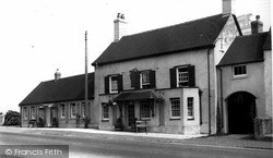 Zeals, The Bell And Crown Inn c.1950