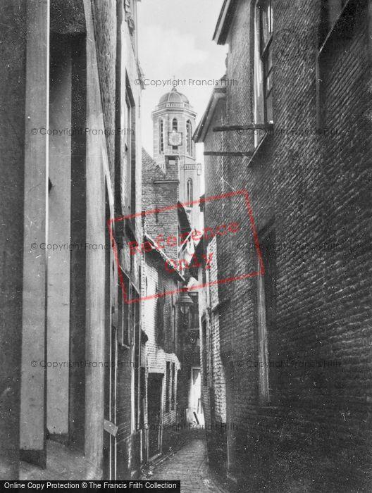Photo of Zwolle, Peperbus From Lauwermansgang c.1930