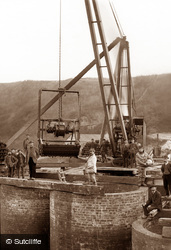 Whitby, Building Whitby Viaduct 1882