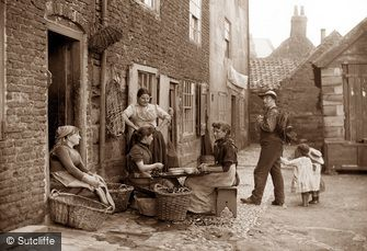 Whitby, Girls Skaning Mussels c1880